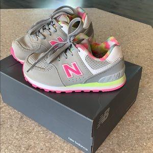 Toddler girls New Balance tennis shoes